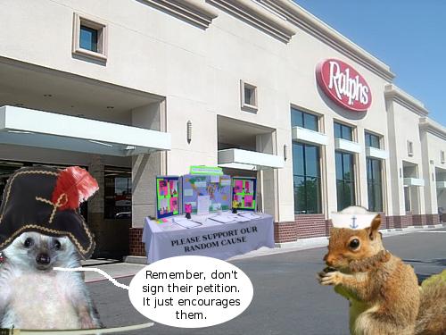 squirrel_hedgehog_at_ralphs