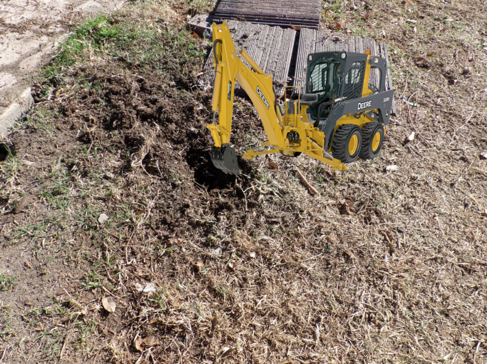 backhoe_hole_1